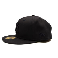 Svart keps New Era Fitted Ny logga